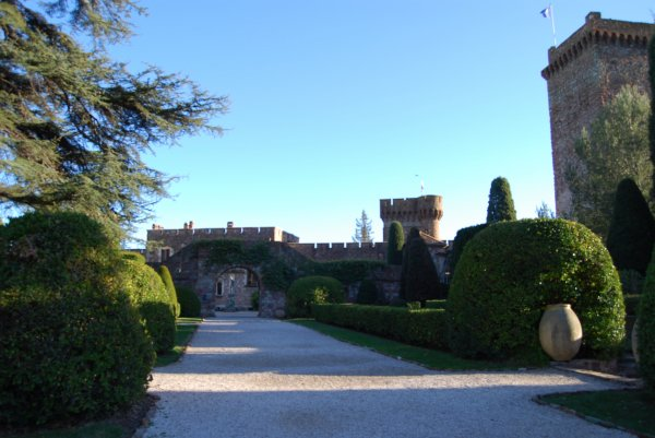 Entrée au château de la Napoule