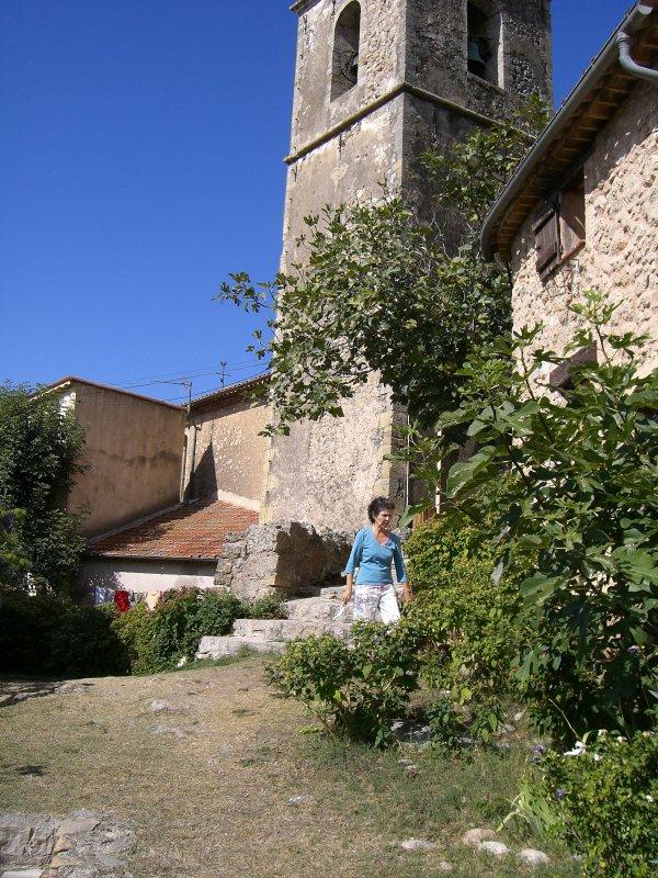 Eglise paroissiale St Barthélemy mentionnée au XIIème siècle