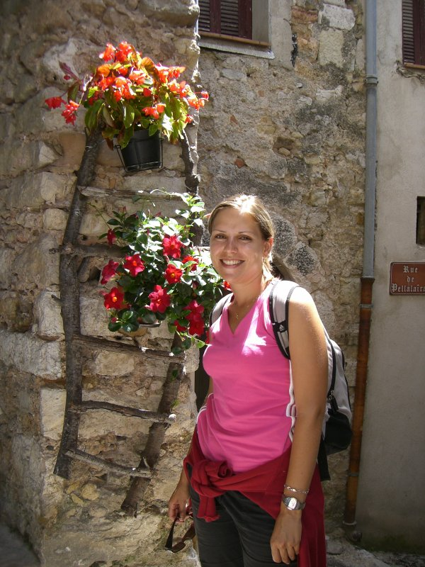 Une fleur, des fleurs... Merci pour ta gaieté Aurélie