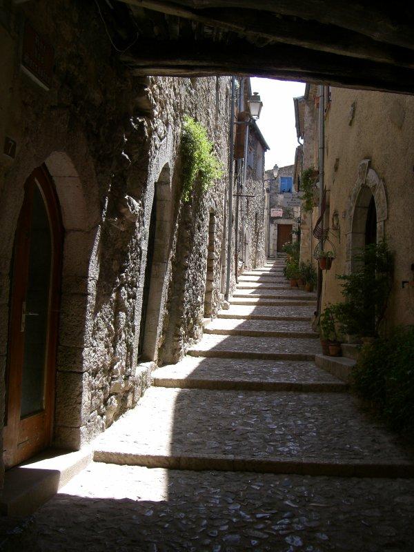 A la découverte de ce village au charme tout médiéval