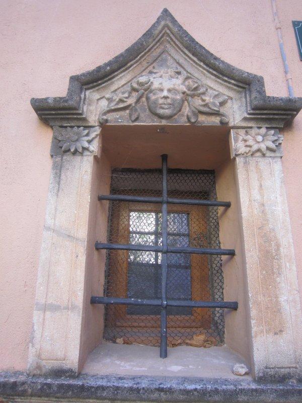 En 1636, Coursegoules devint Ville Royale, tout comme Saint Paul de Vence.