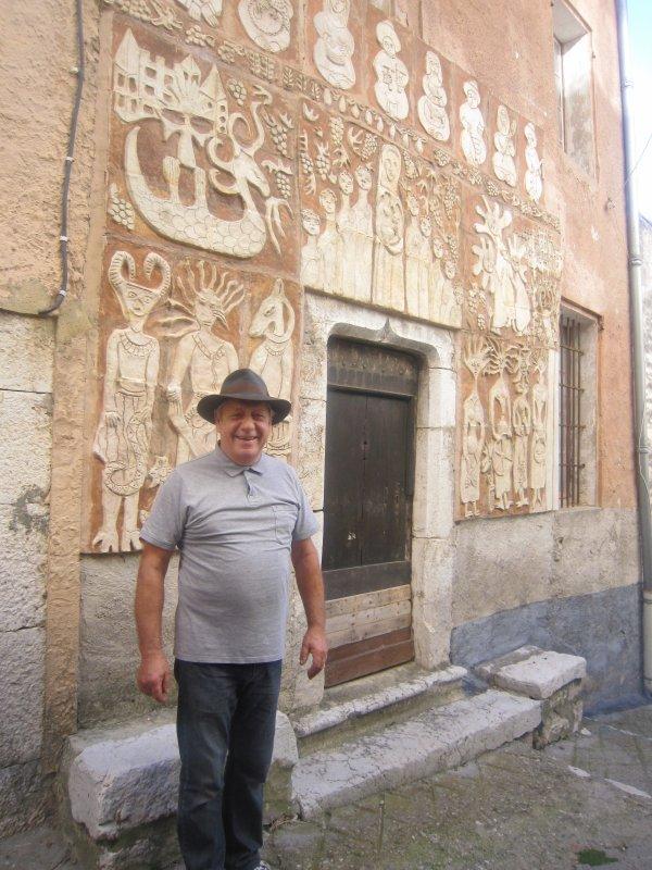 Sous la conduite de M. Jaboulet, visite de Coursegoules