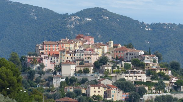 Falicon, petit village perché des Alpes Maritimes