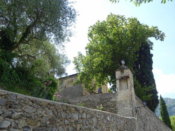 Rendez-vous au couvent des Franciscains : départ de la balade