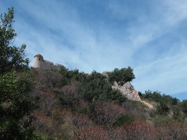 ... jusqu'au fort du mont Alban.