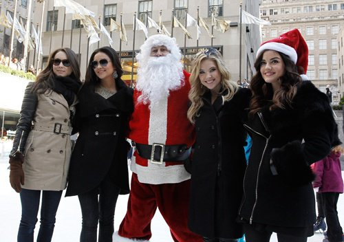 Our Pretty Little liars cast in Rockefeller center