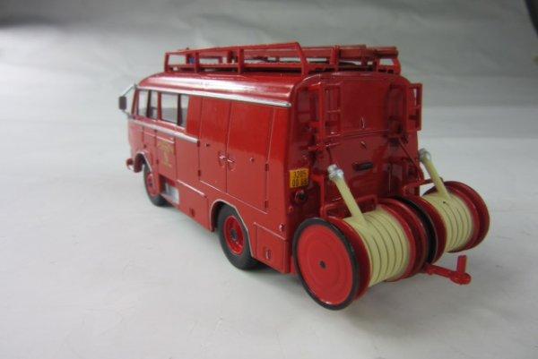 le n° 44 rouge