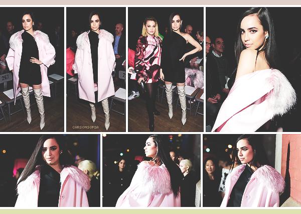 . ''14.02.18'-  ▬ Sofia Carson assistait au défilé Marc Jacobs Fall 2018 Show au Park Avenue Armory à New York City. Dommage que nous ne voyons pas un peu plus la coupe de sa robe. Le manteau apporte de l'originalité à l'ensemble. .