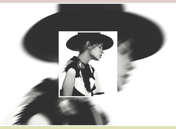 . ''04.10.18'-  ▬ Notre magnifique Sofia Carson a posé pour le célèbre magazine Vogue Mexico pour le mois d'octobre 2018. Je croise les doigts pour que nous ayons de nouvelles photos dans les jours à venir. J'aime beaucoup ce portrait d'elle. .