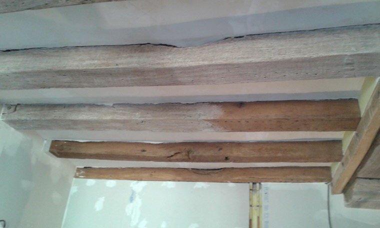 Blanchir ses poutres blog de christelmoreau for Peinture pour bois verni