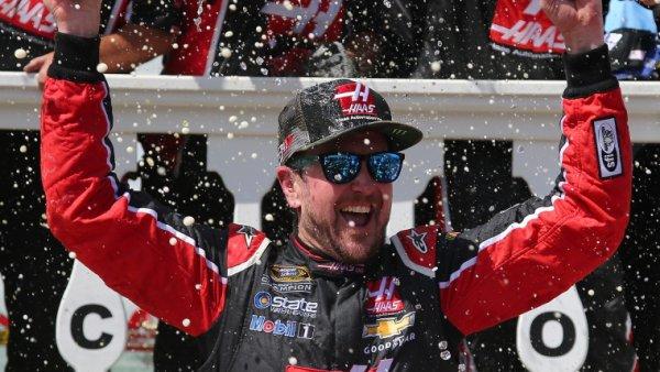 Kurt Busch remporte la course de Pocono !!!