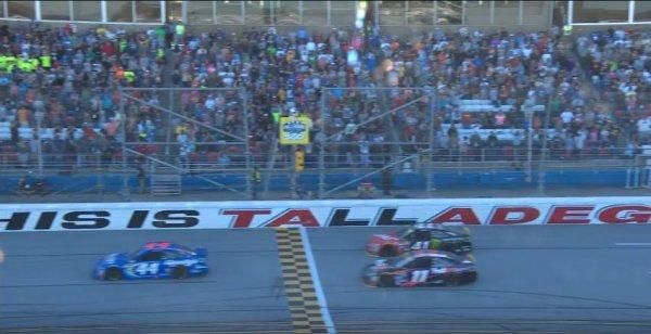 Joey Logano remporte la course à Talladega !