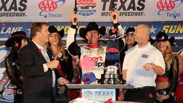VICTOIRE DE CARL EDWARDS AU TEXAS !