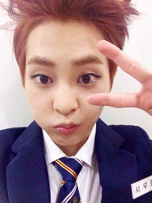 Bonjour ! Je suis le frère de SunHye ^^