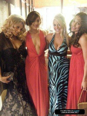 Beth Phoenix , Les Soeur Bella et Tiffany