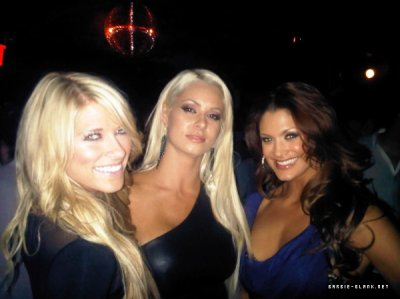 Kelly Kelly , Eve Torres et Maryse