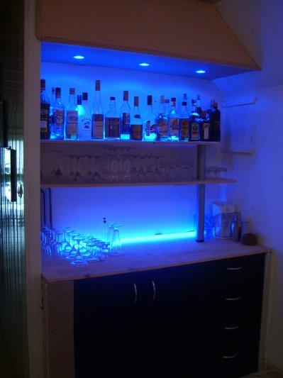 Nouveau bar maison dieu cr a l 39 homme et l 39 homme cr a la for Bar pour maison design