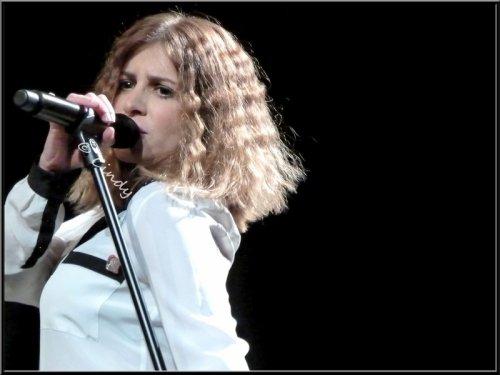 Julie Zenatti en concert acoustique à Vaires sur Marne le 16 mars 2012 !!!!