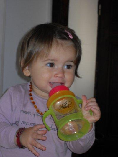 anissa a 14 mois