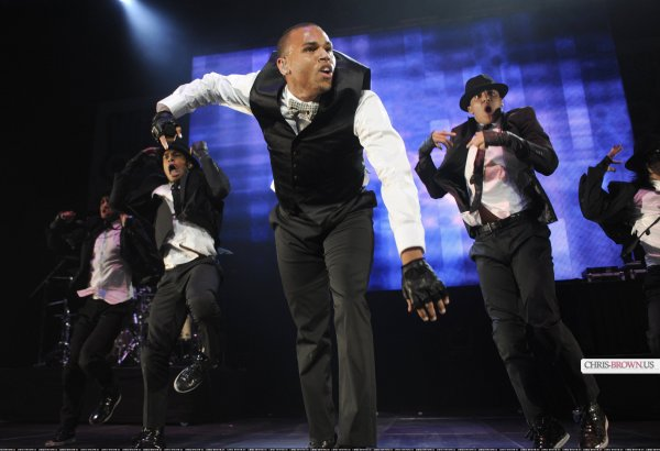 Chris Brown au Holiday Hot night (Photos)