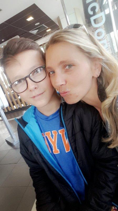 moi et mon fils alexis ma vie je taime tu et tout ma vie
