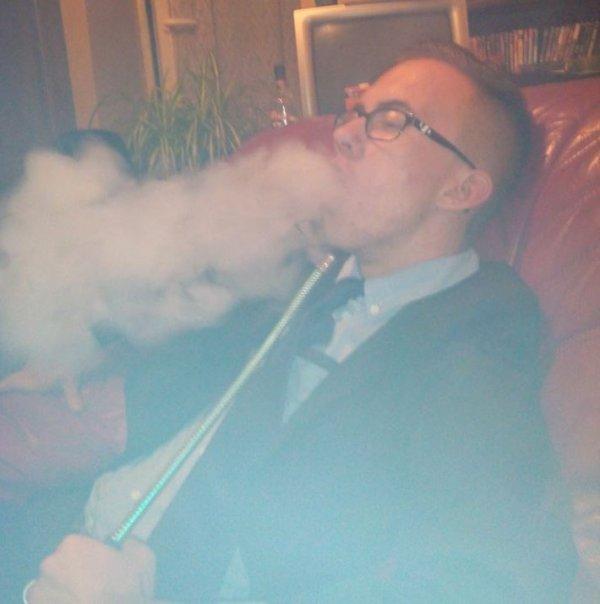 Fume Fume avant que la vie te fume fume frere !