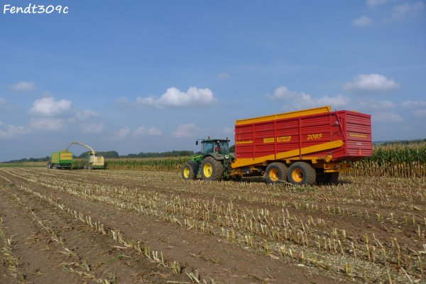 Ensilage de maïs 2011 par T. Otten !