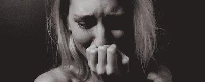 J'ai beau souffrir mais mon coeur revient vers toi. Et je me hais de t'aimer comme ça. Hysteric ℒove.