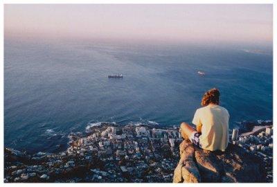Et puis je me rend compte que je suis complètement seule.