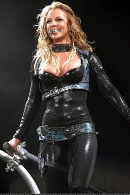 britney spears the onyx hotel tour live from miami dvd