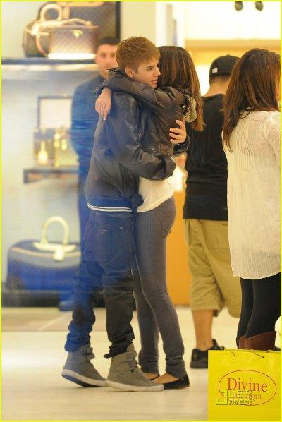 Selena Gomez et Justin Bieber : le couple du moment, je les trouve mignon ensemble !