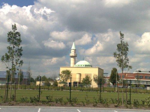 المسجد الكبير .............رائع