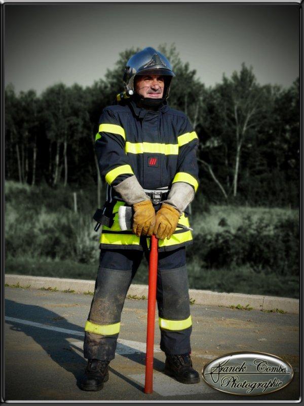 193 eme PHOTO   pompiers personnage