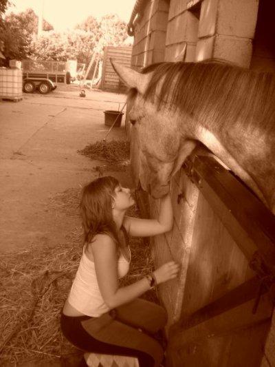 """"""" Apprenez à écouter ce que votre cheval murmure à votre oreille  ! """""""