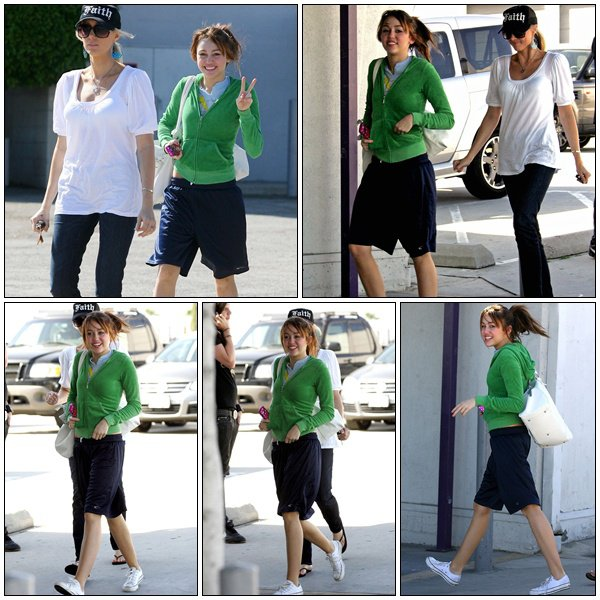 Heading Over To The Burbank Studios With Her Mum - March 26, 2008