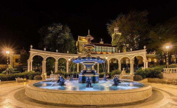 Fontaine dans la vieille ville de Bakou (Azerbaïdjan)