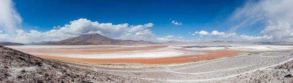 Vue de la laguna Colorada, lac salé situé sur l'altiplano bolivien