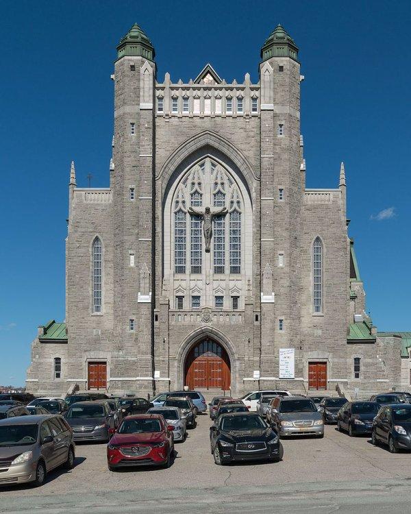 La basilique-cathédrale Saint-Michel de Sherbrooke (Québec)