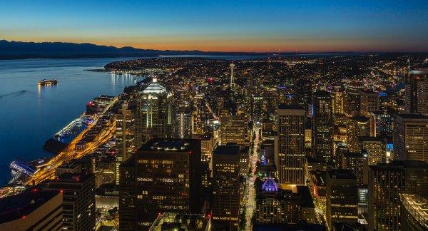 Vue crépusculaire de Seattle (État de Washington)