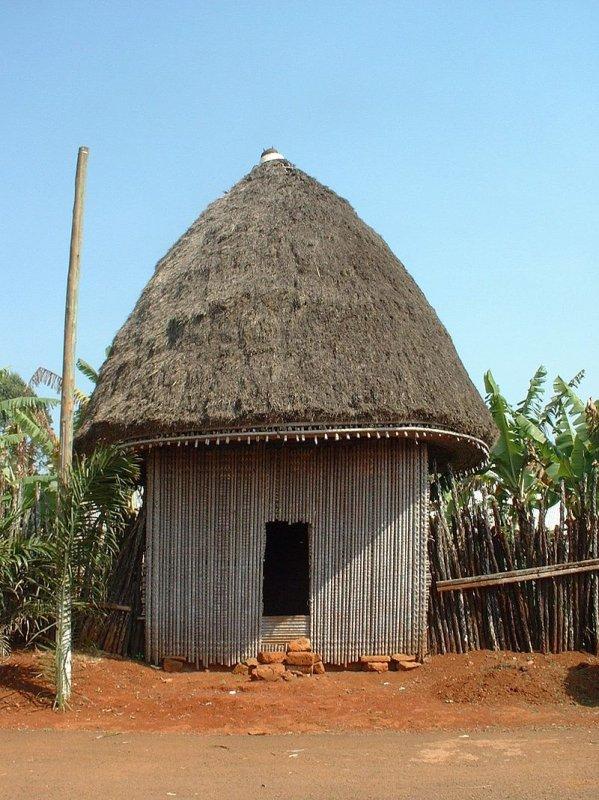 Case africaine à la chefferie de Bana, dans la Région de l'Ouest du Cameroun