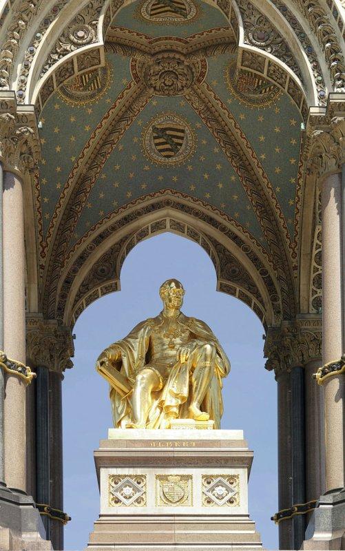 La sculpture centrale de l'Albert Memorial, à Kensington Gardens (Londres)