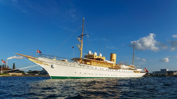 Le KDM Dannebrog, yacht royal du Danemark