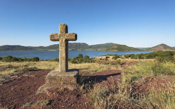 Croix de chemin à côté du lac du Salagou (Occitanie)