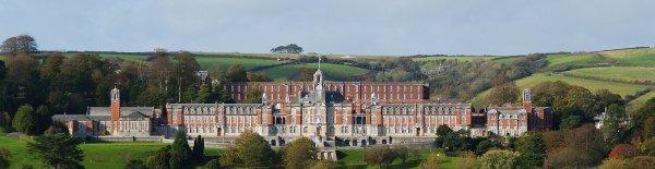 Le Britannia Royal Naval College, dans le Devon