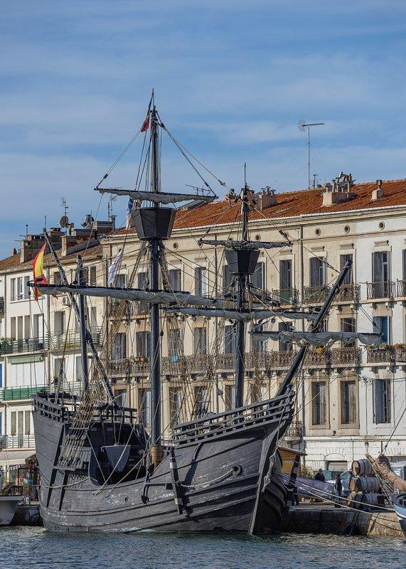 La Nao Victoria, reconstitution hypothétique de la caraque de Magellan, lors de l'Escale à Sète 2016