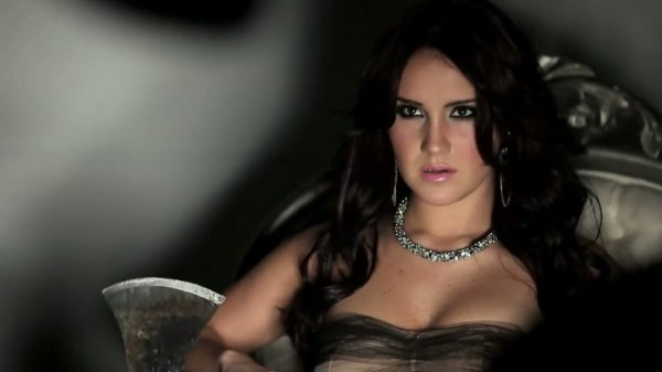 Dulce Maria - Mujeres Asesinas 3