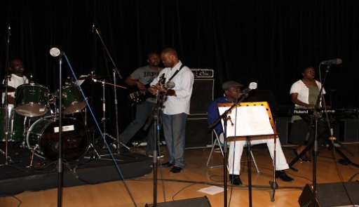 Casa Live avec past Lifoko du ciel répétition pour le 01 MAI 2011
