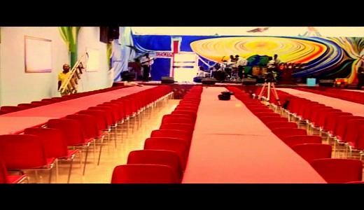 inauguration de la grande Eglise Arbre de Vie à Milan