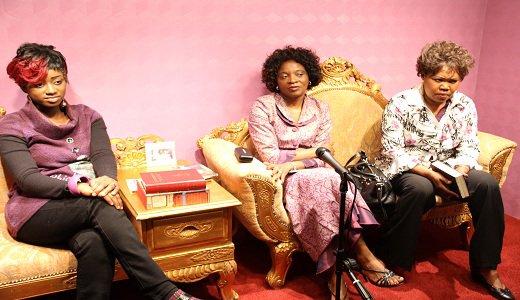 casarhema reçois Apôtre Tina de l'Angola