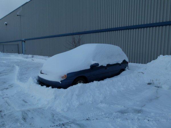 ;)    :)    Nouveau record de la tempête de neige franchit    :)    ;)